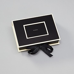 Small Photobox with cut out window, black